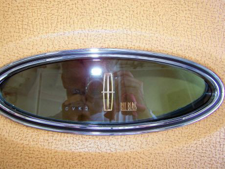 1977 Continental Mark V Bill Blass - opera window
