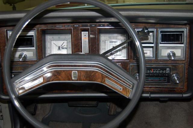 1977 Continental Mark V Cartier dashboard / instrument panel