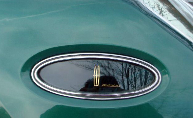 1977 Continental Mark V Givenchy signature in opera windows