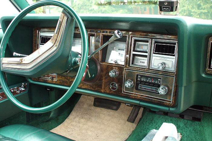 1977 Continental Mark V Givenchy instrument panel in dark jade