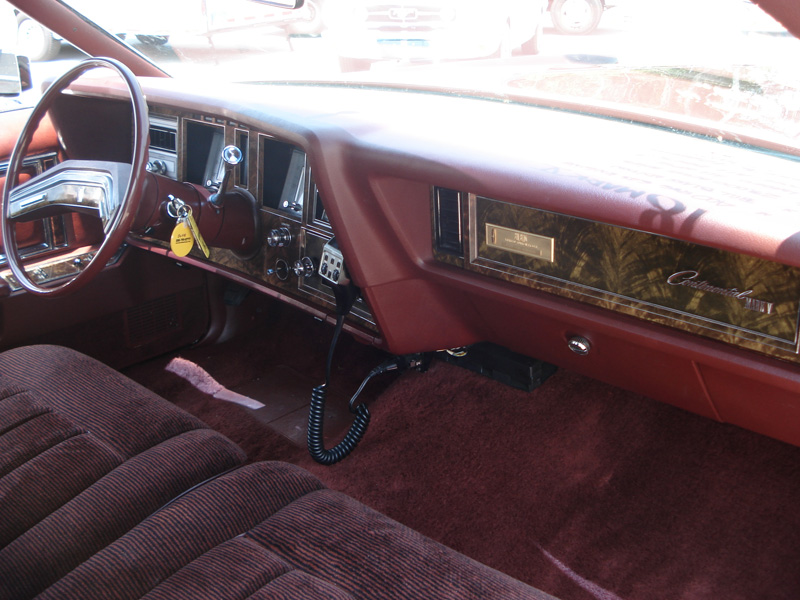 1978 Continental Mark V Bill Blass w/ultravelour cloth interior