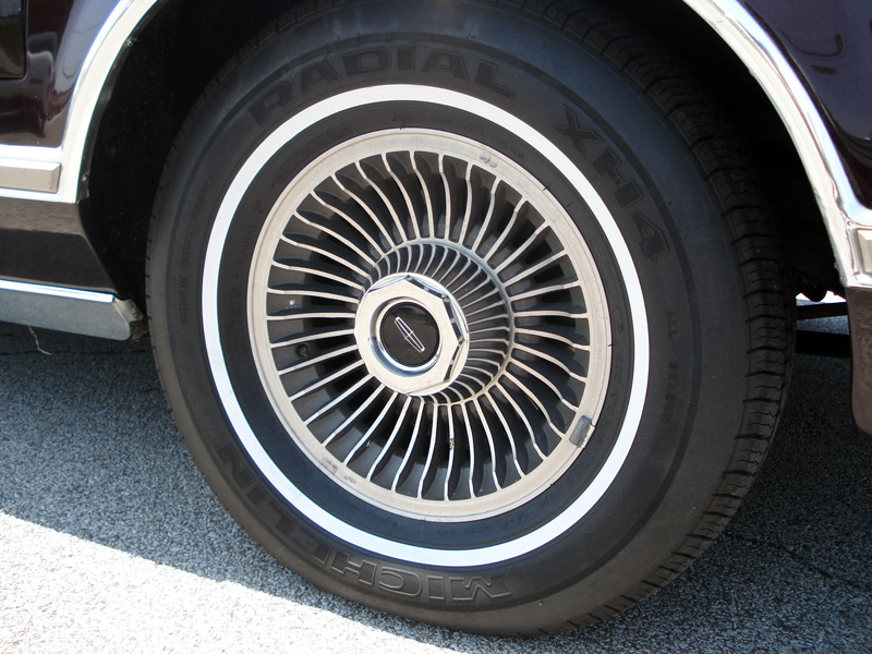 1978 Continental Mark V Bill Blass with standard turbine styled white walls