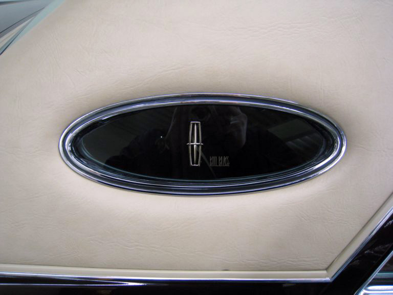 1978 Continental Mark V Bill Blass opera window